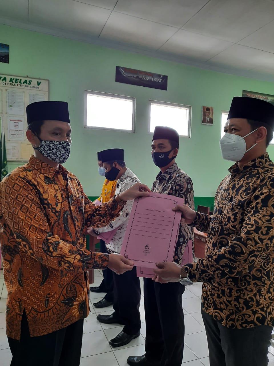 Pelantikan dan Pengambilan Sumpah Jabatan Kepala Sekolah di bawah Naungan Yayasan Nurussalam Kelet – Jepara.