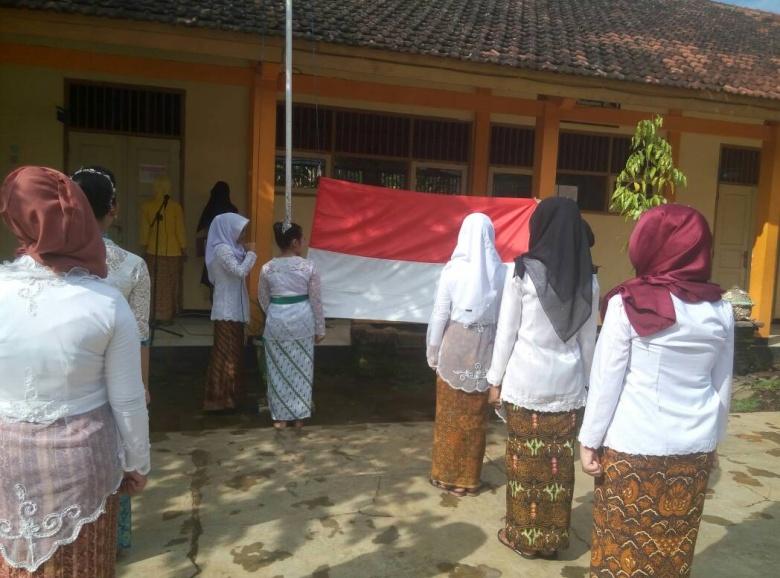 Peringatan Hari Kartini SMK Wikrama 1 Jepara